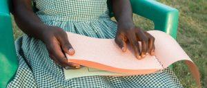 Braille-bijbelboeken voor Ghana